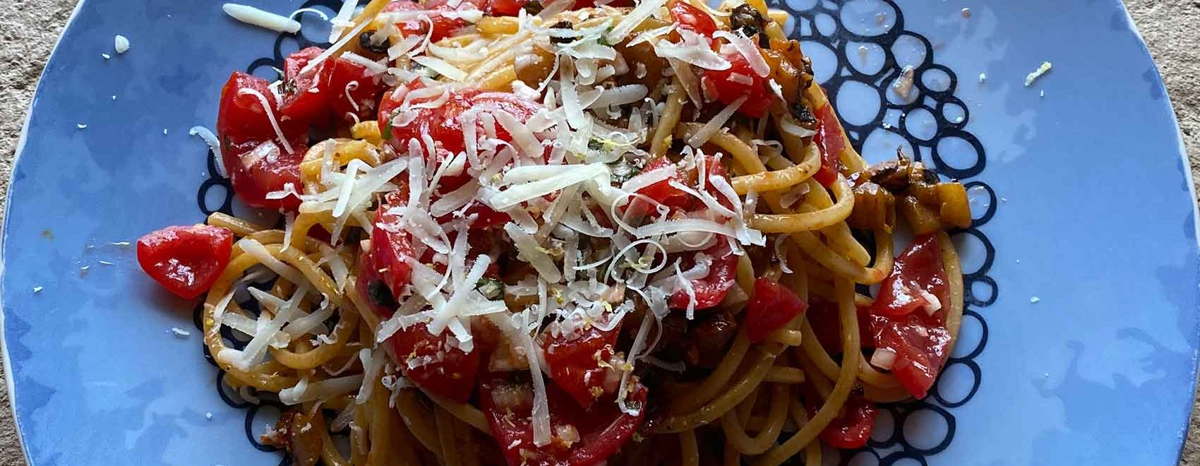 Spaghetti melanzane e pomodorini